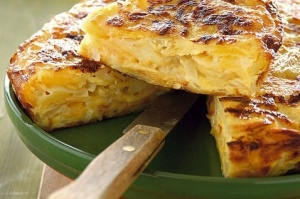 Interno di tortilla di patate e cipolle